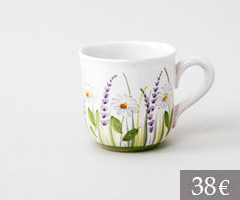 Mug with daisies and lavender